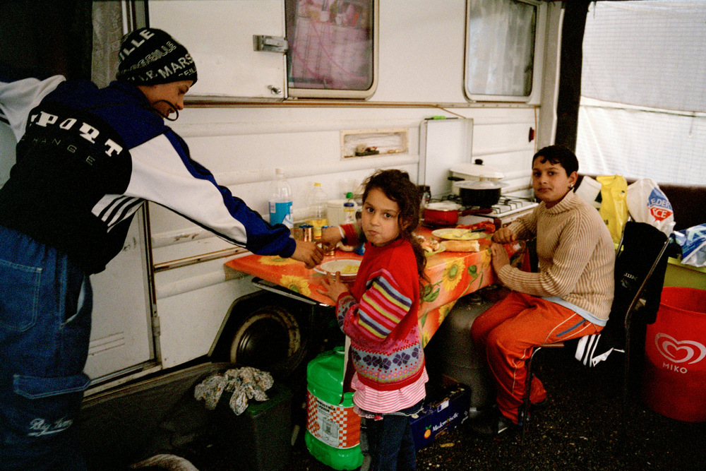 Darius, Liliana et Adrian après l'école. La Grand-Combe, 2010.