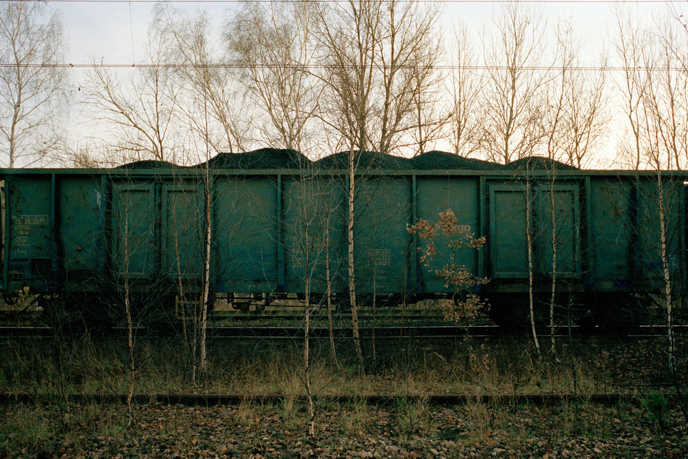 Wagons de charbon en stationnement près de la mine de Nikiszowiec, Katowice. Décembre 2013