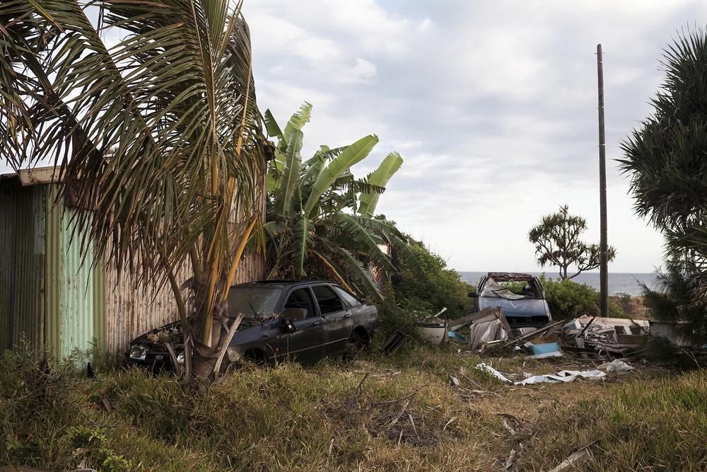 Un ancien squat au bord de l'océan, inhabité depuis peu.Depuis un an, de nombreux squats ont été détruits par les services municipaux dans plusieurs villes de l'île. SAINT-JOSEPH, OCTOBRE 2014