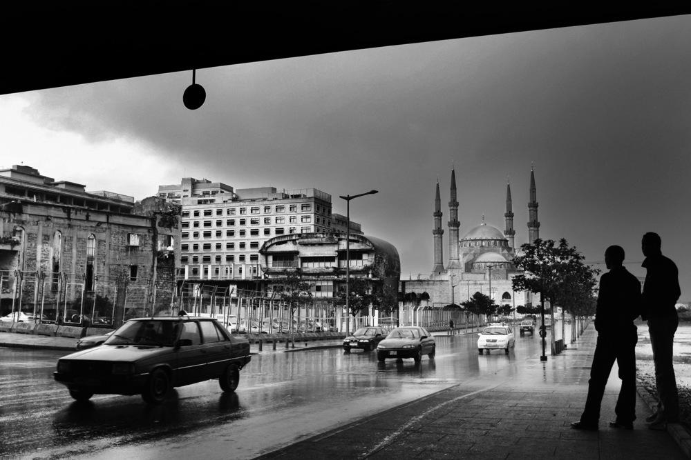 Place des Martyrs. On peut voir au loin la nouvelle mosquée dédiée à la mémoire de l'ancien Premier ministre assassiné Rafic Hariri Beyrouth, décembre 2005