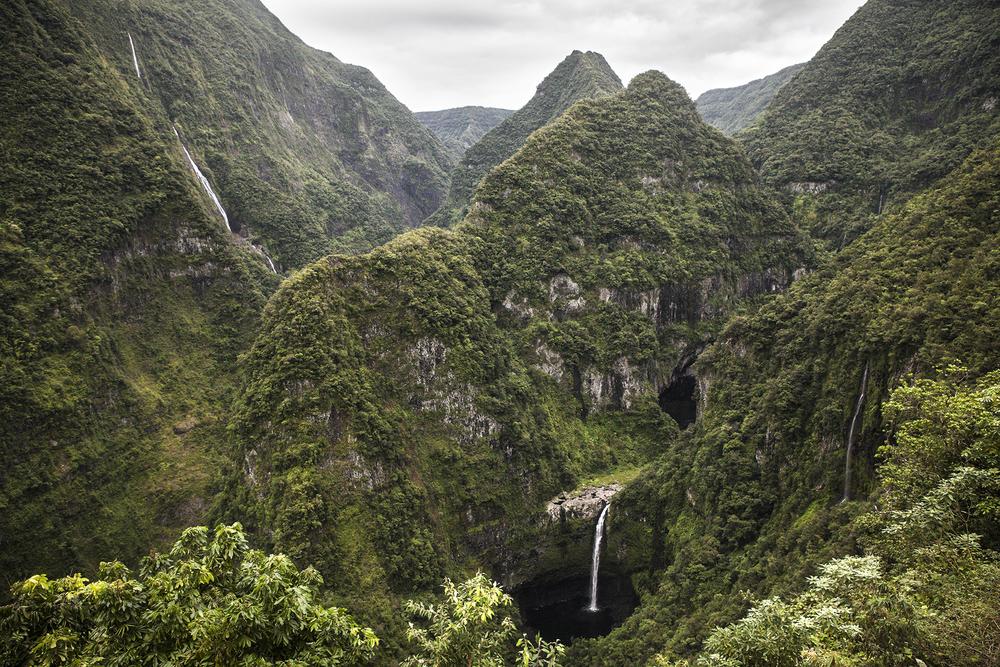 Vue du site de la station hydro électrique de Takamaka. Deux barrages en cascade, sur la rivière des Marsouins, alimentent les usines hydroélectriques d'EDF. Juillet 2015, Ile de la Réunion