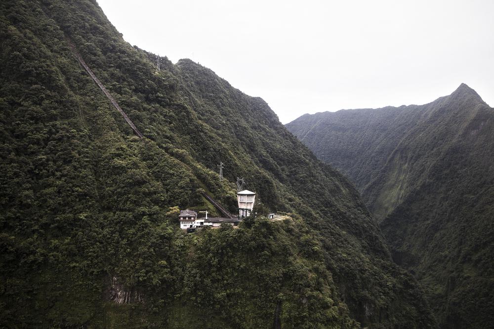 Vue aérienne de la station hydro électrique EDF de Takamaka. Juillet 2015, Ile de la Réunion.