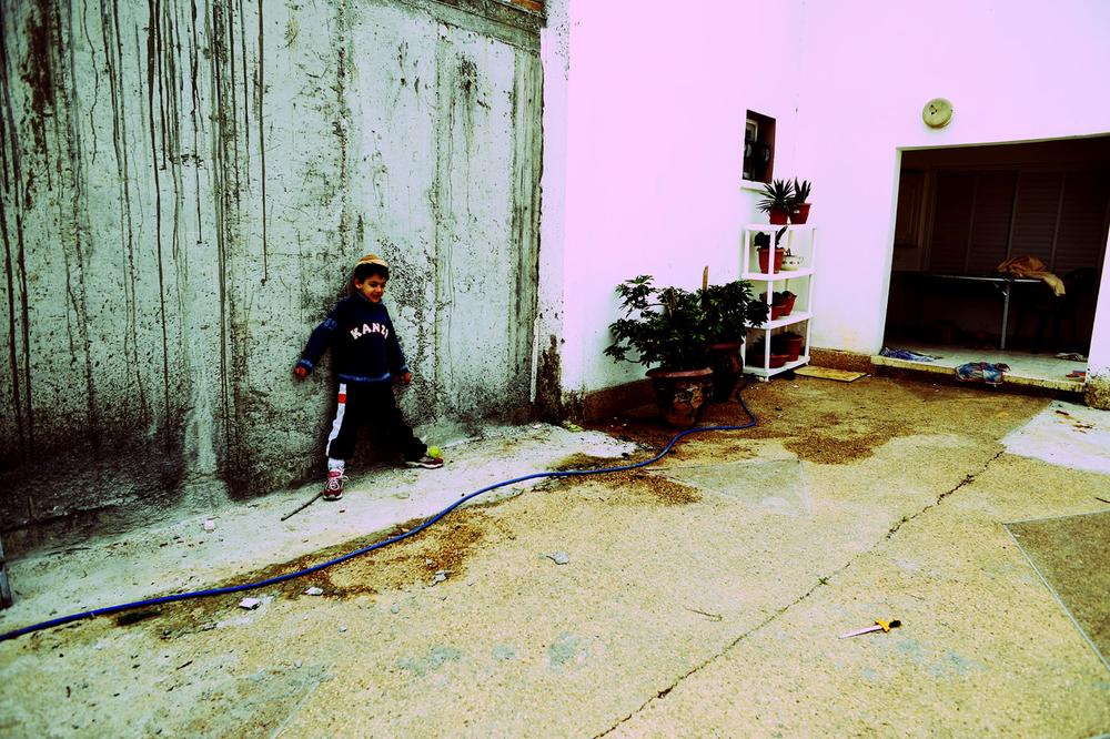 SDEROT ISRAEL JANVIER 2009 PENDANT L OPERATION PLOMB DURCI A SDEROT, L ECOLE EST ARRETEE. LES ENFANTS PASSENT LEUR JOURNEE DANS LES ABRIS ET LEUR ABORDS.