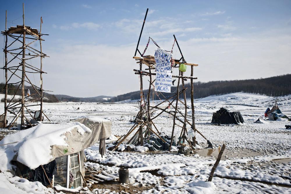 Zone à Défendre de Sivens, commune de Lisle sur Tarn (81). Mercredi 4 fevrier 2015.La temperature est en dessous de 0°C sur la zone.