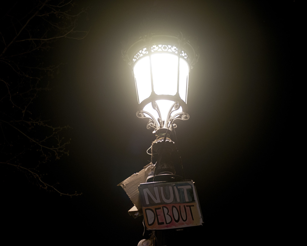 NUIT DEBOUT MOUVEMENT CONTRE LA LOI EL KHOMRI PLACE DE LA REPUBLIQUE PARIS LE 8 AVRIL 2016 NUIT DEBOUT MOUVEMENT CONTRE LA LOI EL KHOMRI PLACE DE LA REPUBLIQUE PARIS LE 8 AVRIL 2016