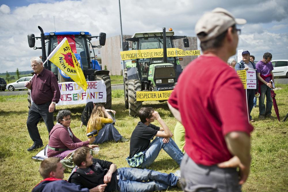 Rassemblement des opposants à l'installation du projet CIGEO sur les communes de Bure et MandresBure, Dimanche 6 juin 2016.