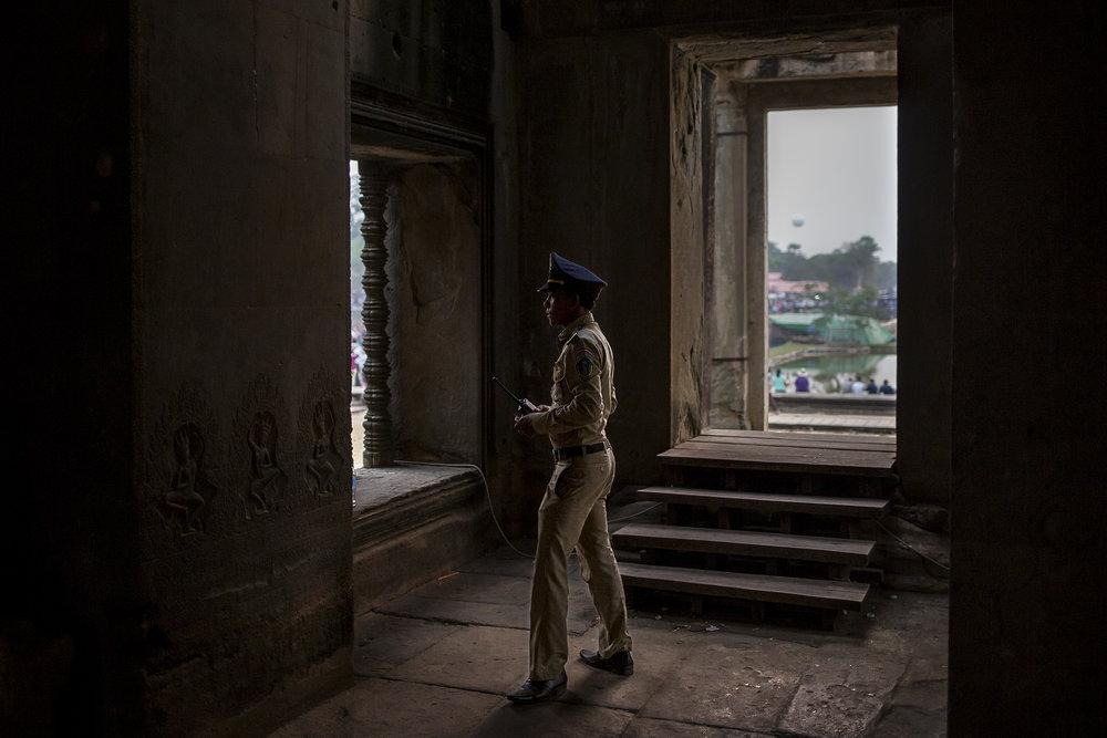 Les Cambodgiens profitent des jours de congés du Nouvel An pour se rendre en pèlerinage à Angkor où ils s'adonnent aux joies du camping et du pique-nique tout en visitant les temples de pierre ancestraux. Plus de 1 millions de visiteurs se sont rendus à Siem Reap cette année. SIEM REAP, AVRIL 2016