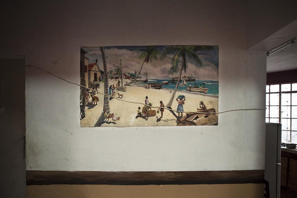 « La vraie vie des Chagos c'est ça. » Clément n'a rien oublié.« Je peints la vie là bas, les scènes de tous les jours, les poissons, les tortues, les maisons, l'église, les régisseurs, les bateaux qui venaient nous chercher, il ne faut rien oublier. »Clément ne s'en lasse pas, il continue son travail chaque jour. « Je dois le faire et j'aime le faire. Et puis qui sait, un jour je retournerai peut être peindre là bas ? Non ?»