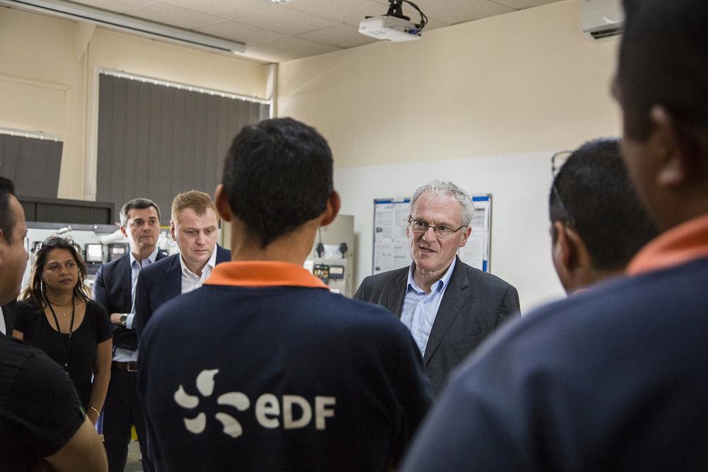 Visite de Jean-Bernard Levy, PDG d'EDF à l'Agence de Saint-Pierre. Ile de La Reunion_Ocean Indien