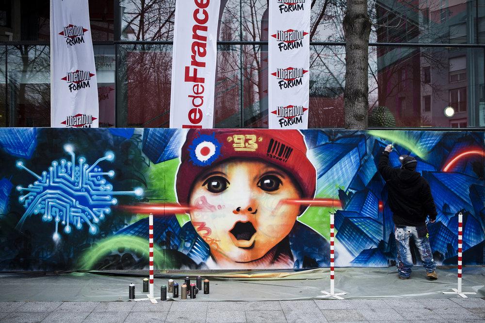 22 et 23 février 2013, fil rouge de la journée du samedi, Marko93 a peint, durant une bonne partie de la journée, une fresque devant la MC93.