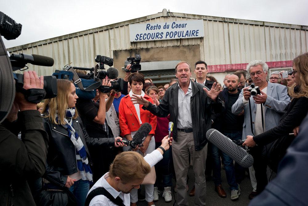 Tentative d'expulsion du secours populaire par le municipalité FN d'Hayange. Moselle, 30 sept 2016
