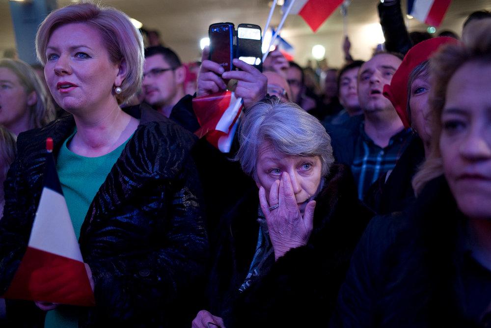 Millitants FN lors dusecond tour des élections Régionales en Moselle. Metz décembre 2015