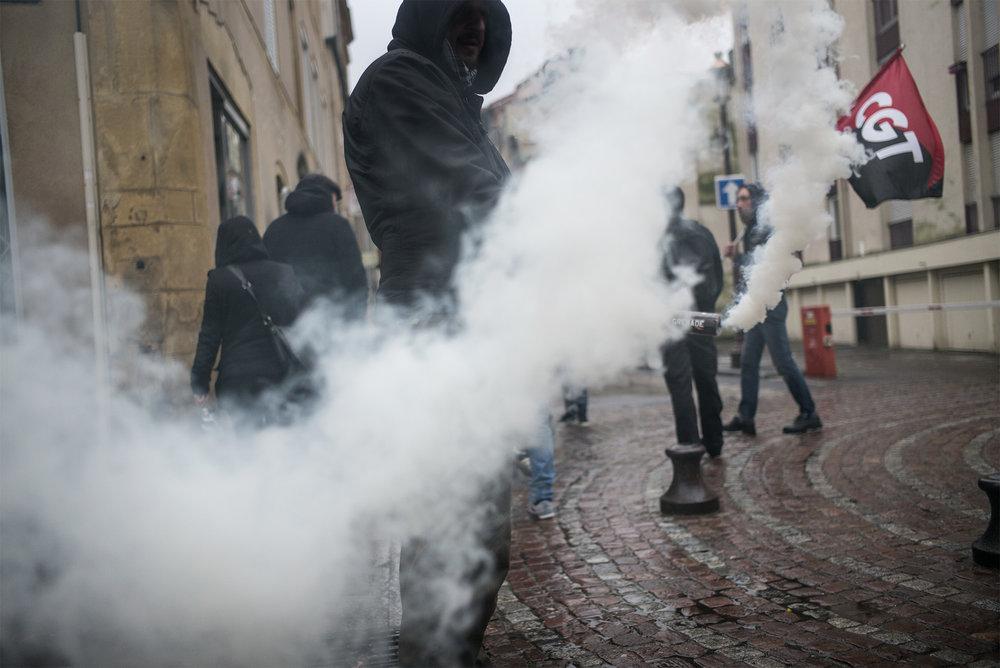 Mobilisation de la CNT et Antifa de Metz pour la tenue du meeting de Marine Le Pen. Mars 2017