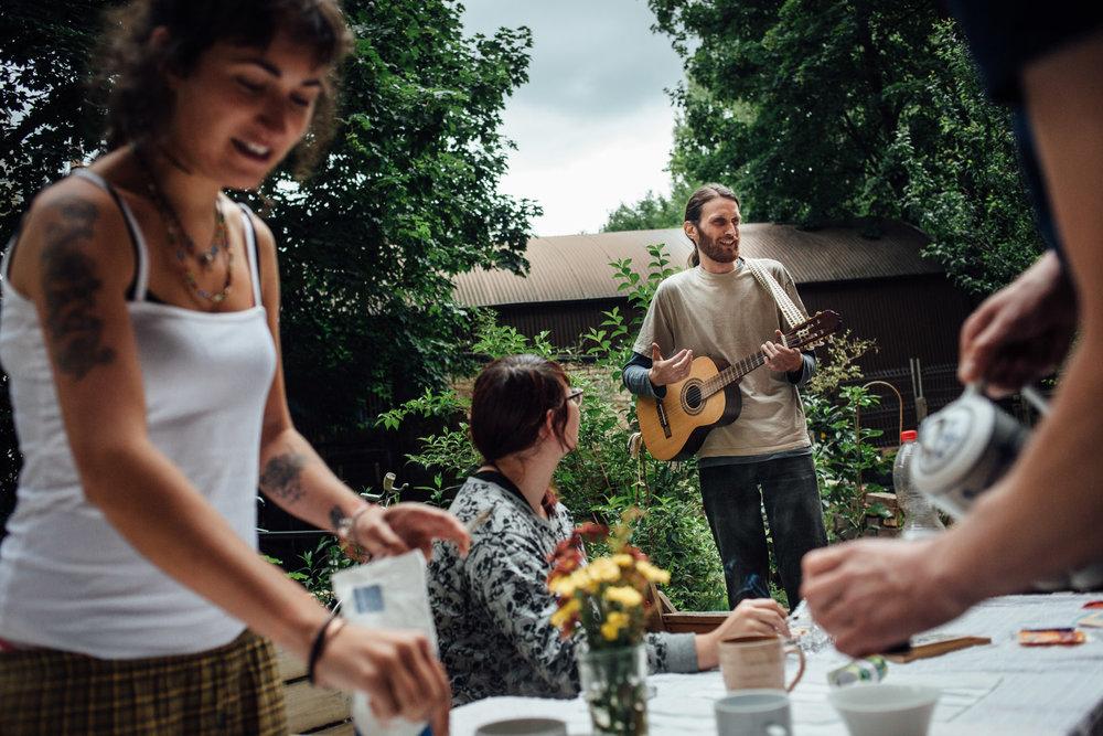 Leipzig, le 21 Juin 2014. Petit déjeuner chez SUzie.Leipzig, June 21, 2014. Breakfast at Suzie's.