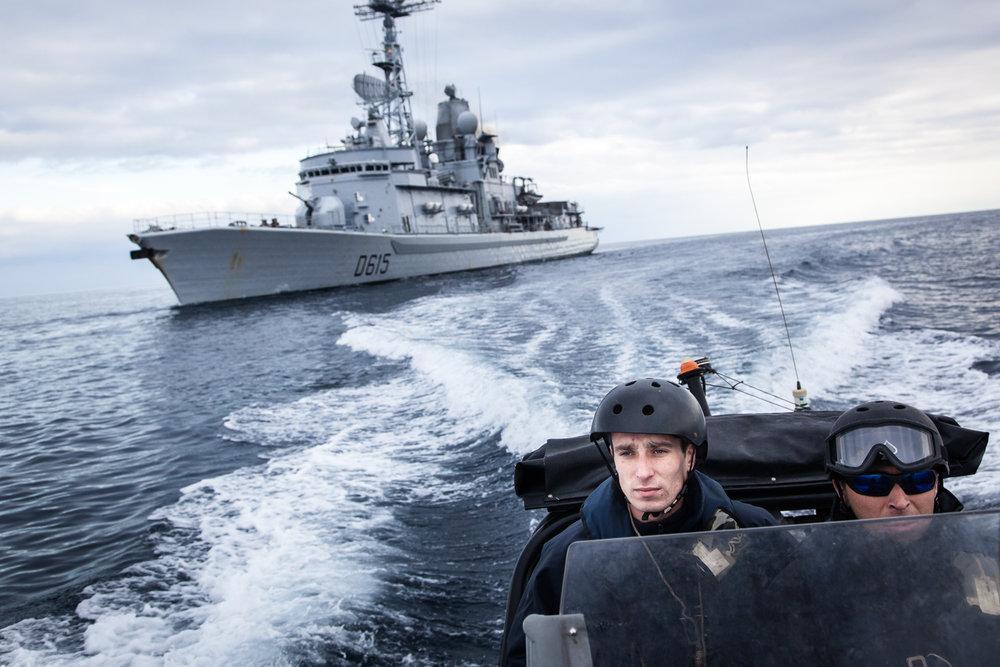 """Mer méditerrannée, 03.12.2015. Frégate anti-aérienne le """"Jean Bart"""", au cours d'exercices interarmées."""
