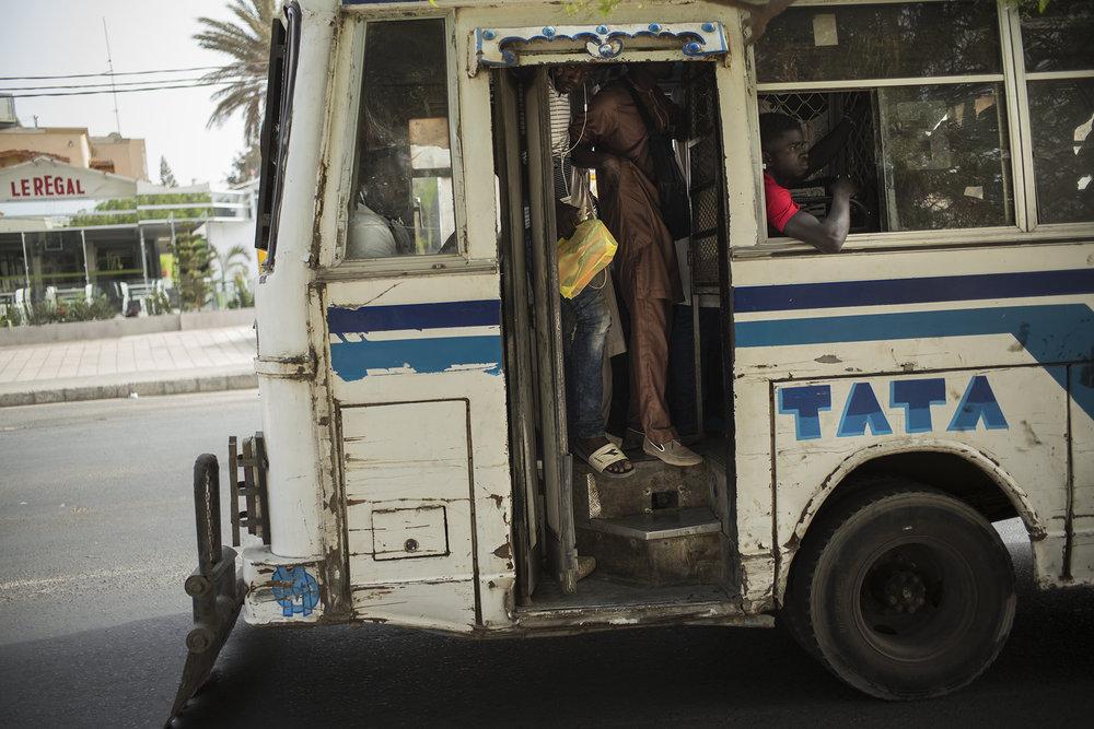 Circulation routière à Dakar, Sénégal. Mai 2017