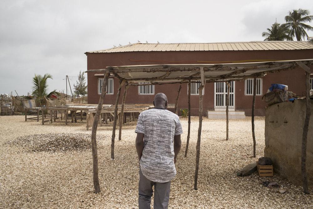 Niodior, zone de traitement des produits de la mer, Delta du Siné-Saloum. Sénégal.