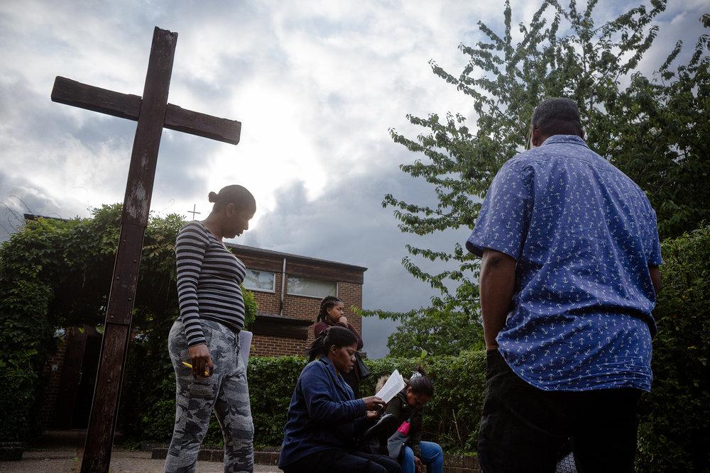 29 juin 2017. Quartier de Broadfield à Crawley. Jour de répétition pour le groupe de chant de l'église de Broadfield. Composé principalement de personnes d'origine chagossienne, il se réunit une fois par semaine.