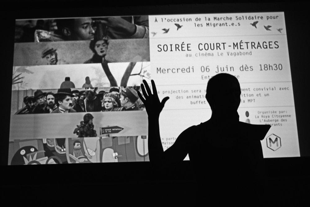 Marche Solidaire pour les Migrant e s entre Chaumont et Bar sur Aube sur l'étape 34 le 6 juin 2018. Une soirée avec projection de court-métrages sur le thème de la migration est offerte par le cinéma  le Vagabond à Bar sur Aube. Franck Boutonnet / item