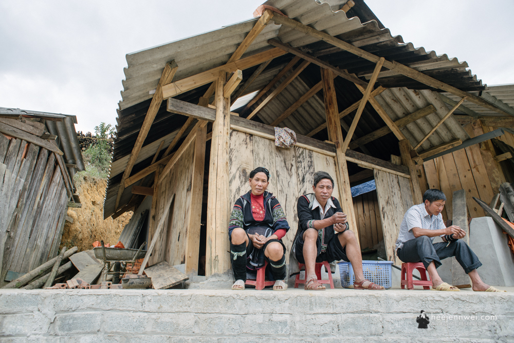 The H'mong hill tribe, despite the numerous minorities hill tribe in Sapa, they are noticeable different from their outfit.