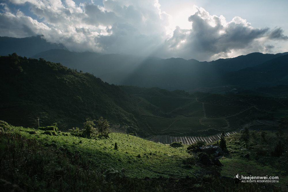 We got back to Sapa town from the 2D1N trek earlier than anticipated. We rented 2 motorbikes to explore the northern part of Sapa town (towards Silver Waterfall), and rewarded with the ray of lights over the valley.