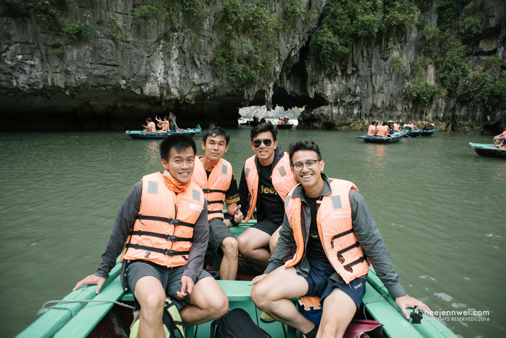 We are the lazy bunch, we opted for Bamboo Boat instead of kayak ourselves.