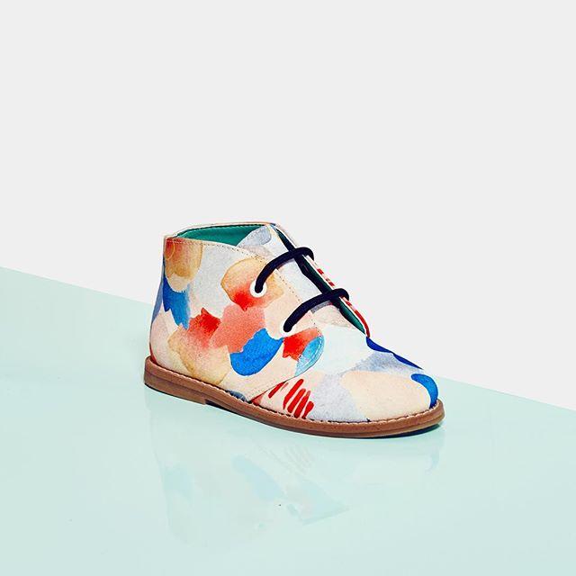 Monday crush on this Melula kid shoe 🌈  #melula #melulacopenhagen #kidshoes #kidsfashion #kidsstyle #kids #parents #colourful #colours #textile #surfacedesign #fashion #art #fashionarts #scandinaviandesign #copenhagen