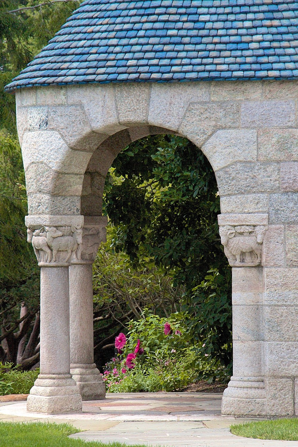 Figure 1: A portico on Glencairn's southwest corner leads into the cloister.