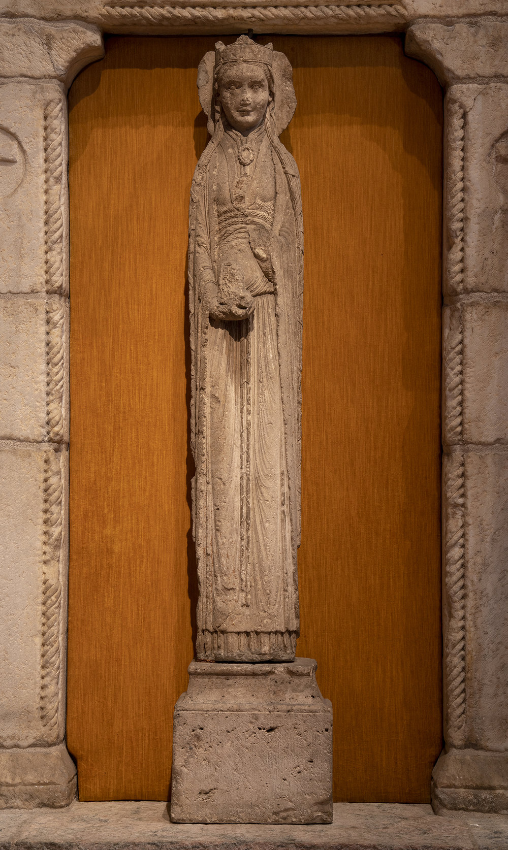 Figure 14: Statue-Column of a Queen, limestone, from the Church of Saint-Thibaut, Provins, c. 1160 (09.SP.103).