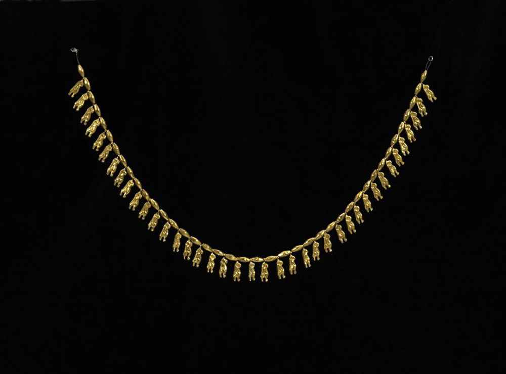 Figure 4: Necklace with 42 gold amulets in the form of the goddess Tawaret. Eighteenth Dynasty (1539-1291 BCE). British Museum EA59418.