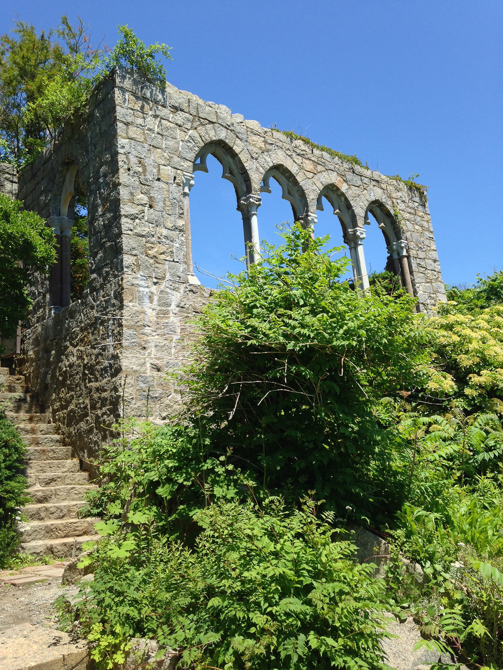 Figure 13: Arches from a fourteenth-century cloister purchased by John Hays Hammond, Jr. from the dealer Joseph Brummer, now at Hammond Castle. (See Figure 12.) Photo: Martha Easton.