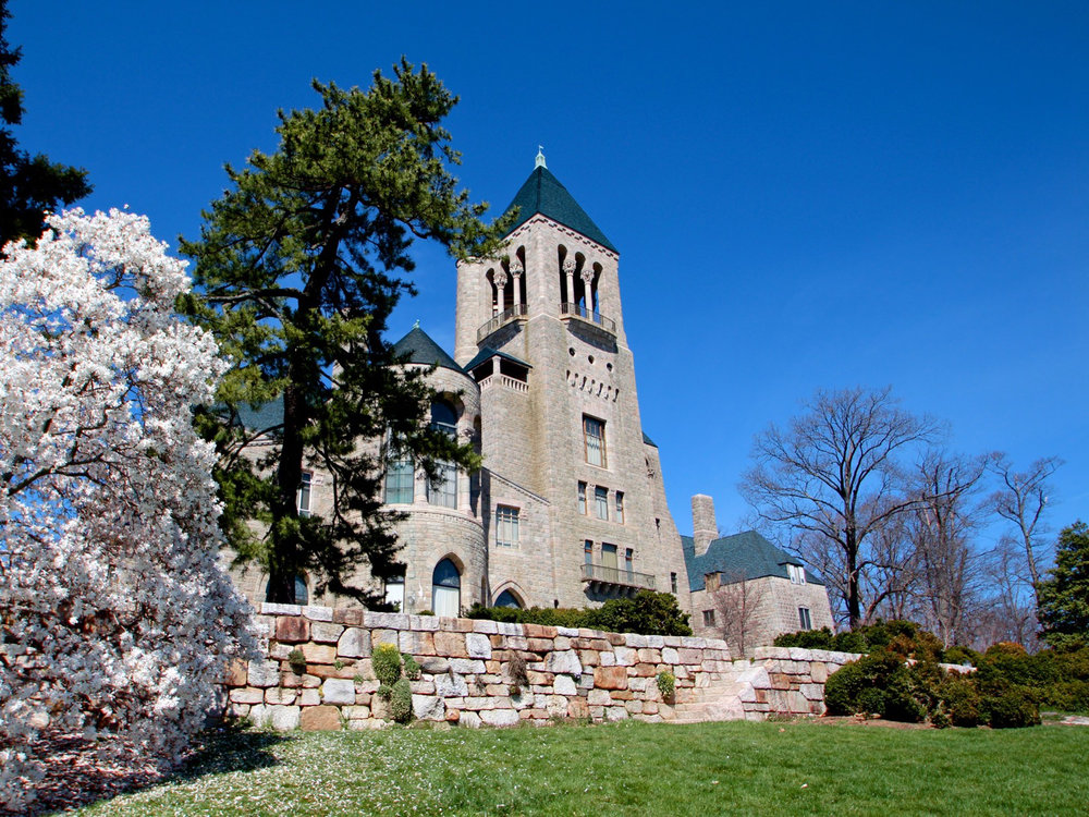 Figure 1: Glencairn Museum, former home of Mildred and Raymond Pitcairn, 1928–39, Bryn Athyn, Pennsylvania. Photo: Glencairn Museum.