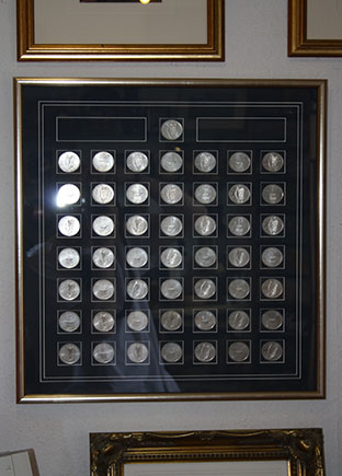 Framer1_0002_memorebelia coins.jpg