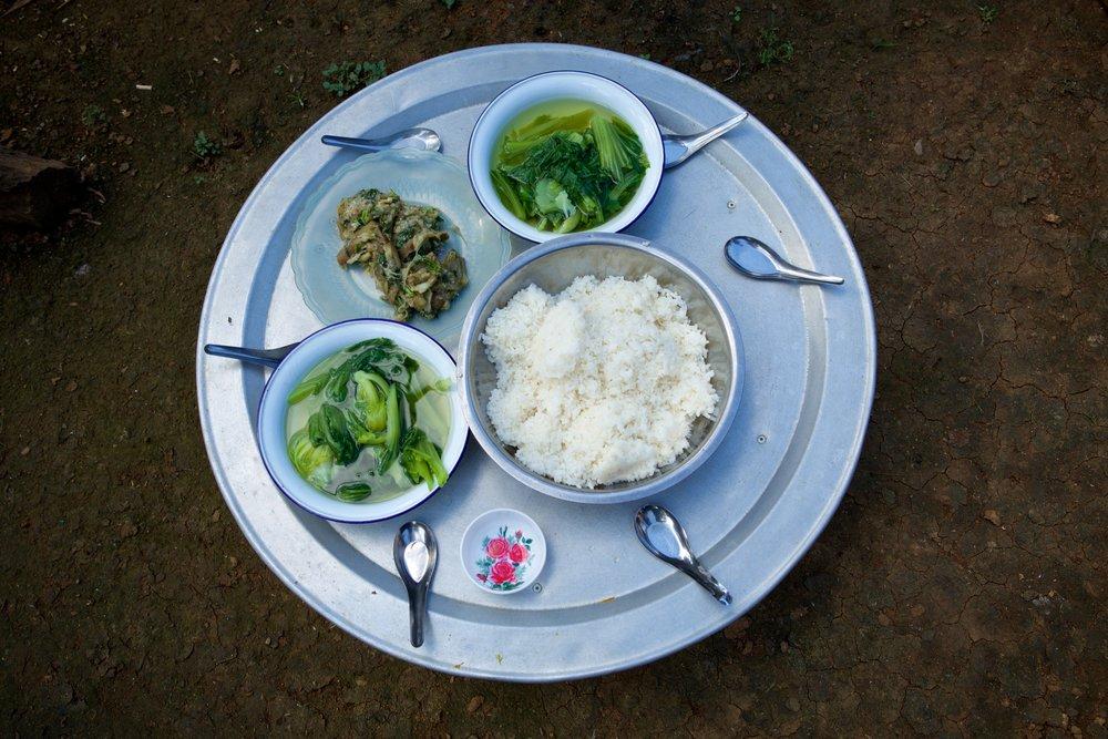 fair-trek-tiger-trail-eco-bungalow-food-photo-by-cyril-eberle-ceb_4405_15921953489_o.jpg