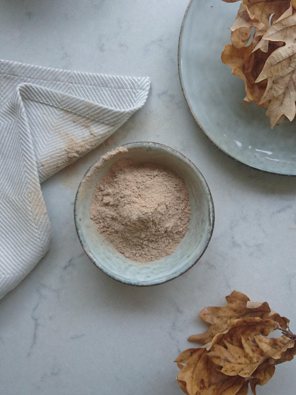 Ulmus fulva (Slippery elm Powder)