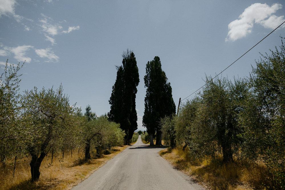 00008_villa-catignano-tuscany-wedding.jpg