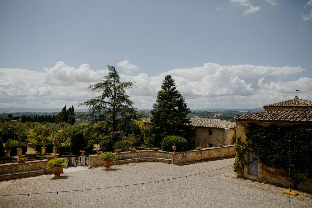 00017_villa-catignano-tuscany-wedding.jpg