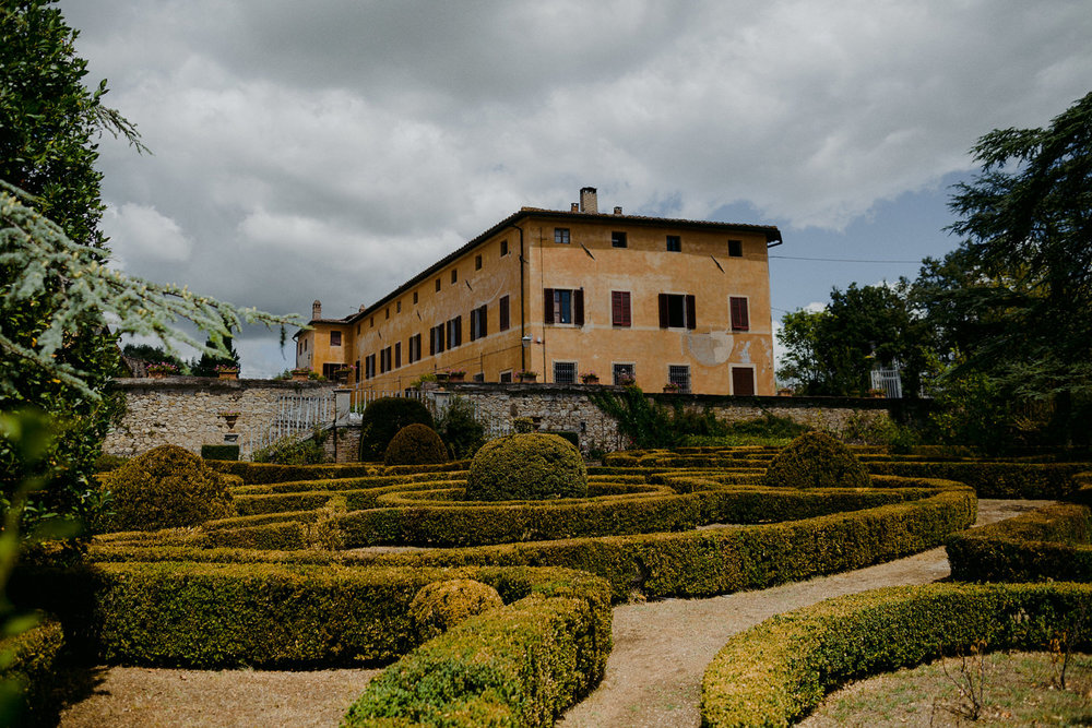 00025_villa-catignano-tuscany-wedding.jpg