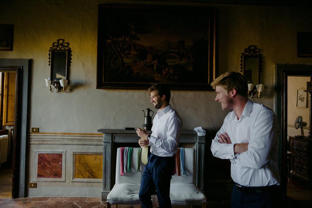 00054_villa-catignano-tuscany-wedding.jpg
