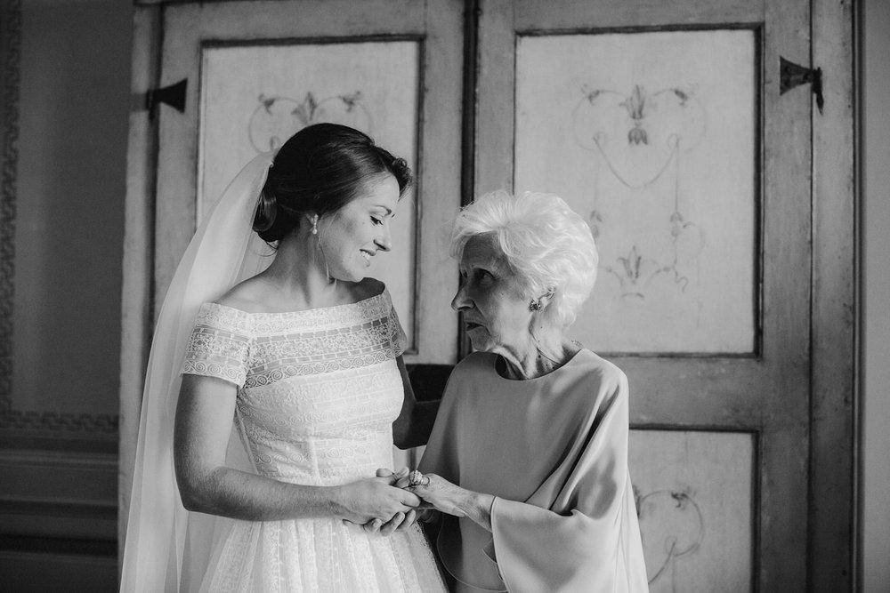 00094_villa-catignano-tuscany-wedding.jpg