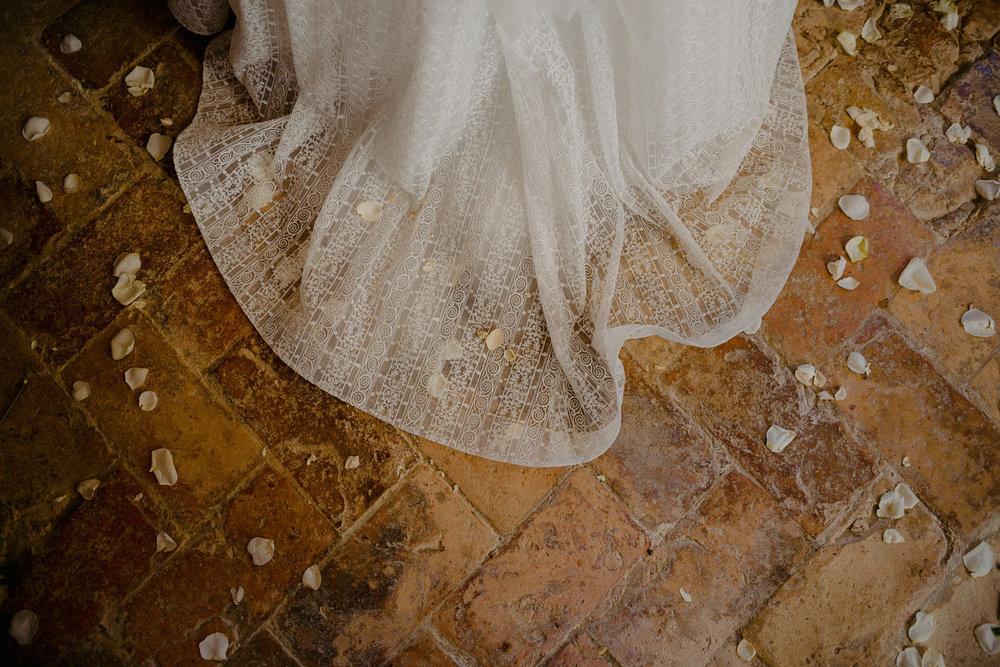 00160_villa-catignano-tuscany-wedding.jpg