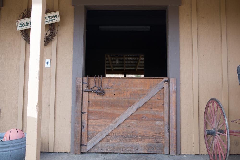 airehart-construction-chico-farm-house-rustic-9.jpg