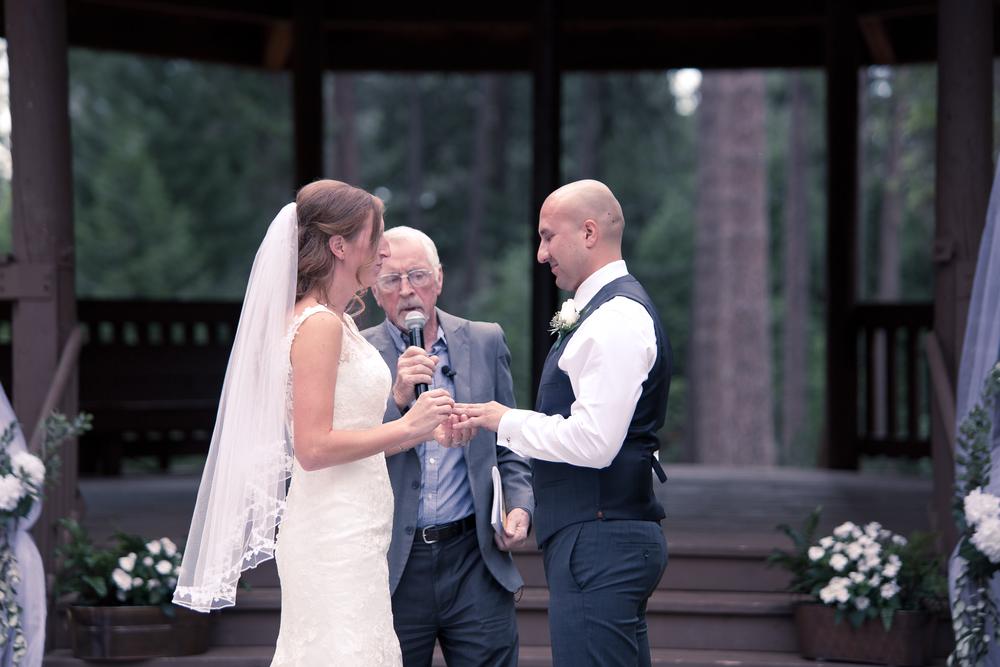 Lindsey & Mike - Married -382.jpg