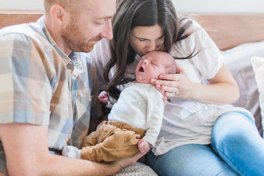 Newborn Lifestyle Sessions - Lauren Alisse Photography