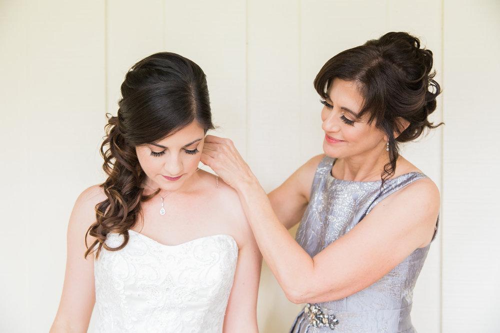 Sarah and Blake Married - Sneak Peeks -35.jpg