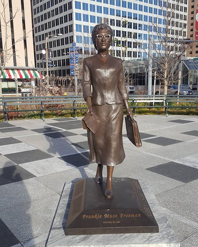 My type of sculpture! Frankie Muse Freeman is anAmericancivil rightsattorney, and the first woman to be appointed to theUnited States Commission on Civil Rights. @equal_by_design #equal_by_design #frankiemusefreeman #civilrightsactivist #civilrights #stl #stlouis #midwest #blackgirlsrock #blackisbeautiful