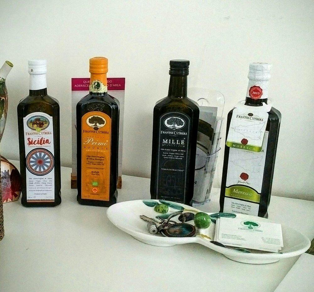 Extra Virgin Olive Oil at Frantoi Cutrera