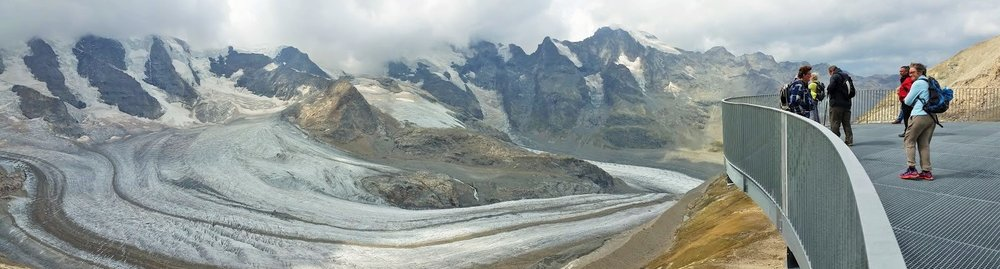 Take the cable car to admire the glaciers at 3000mt - (this picture was taken at the end of August)