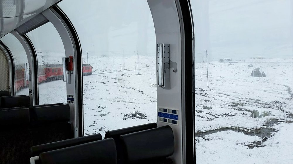 Panoramic car Bernina Express - Train rides all year!.jpg