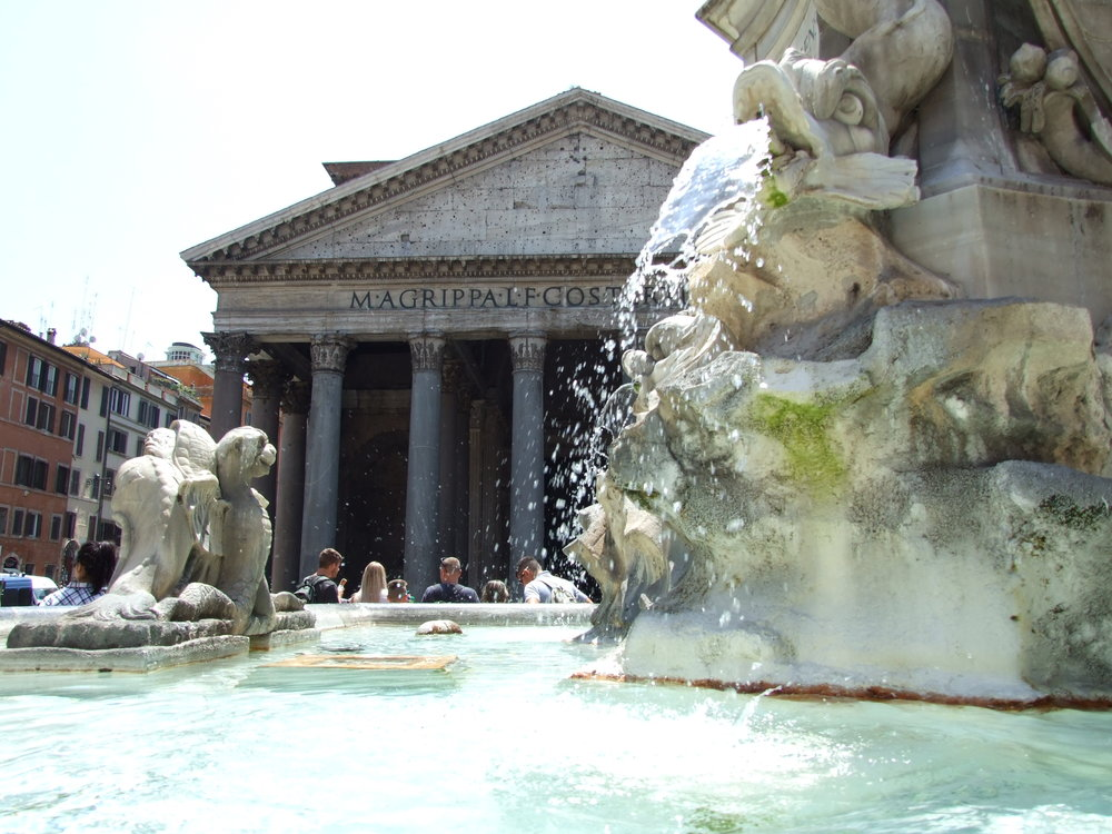 06__Pantheon + Fountain.JPG